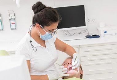 Dr. Sacha Dammert - Implant Dentistry Berlin